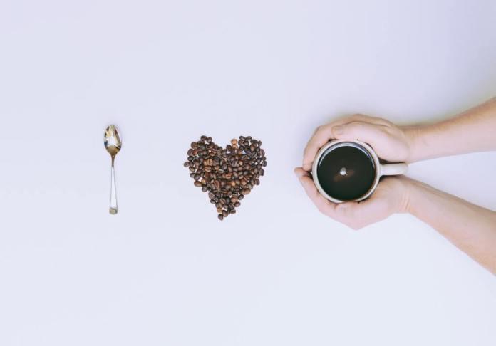 Cliomakeup-caffè-caffeina-1-copertina
