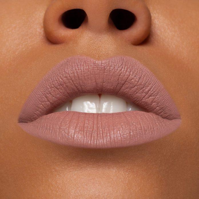 Cliomakeup-rossetto-liquido-liquidlove-pat-in-paris-5-pelle-scura-light