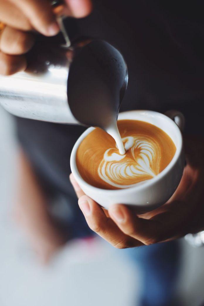 Cliomakeup-latte-e-yogurt-4-cappuccio
