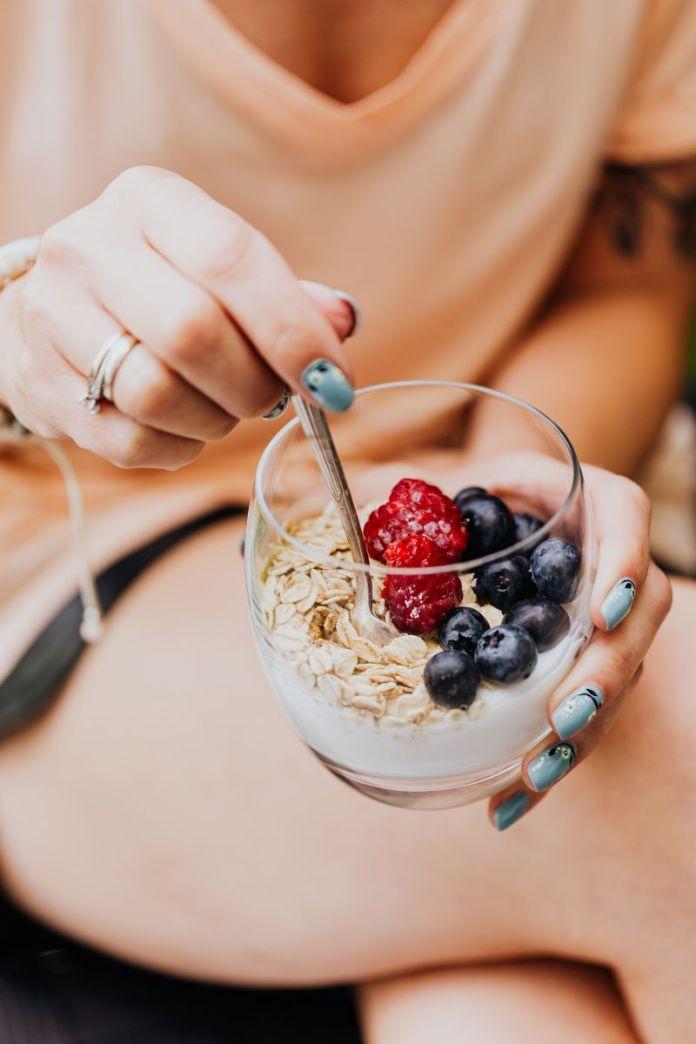 Cliomakeup-latte-e-yogurt-9-ragazza