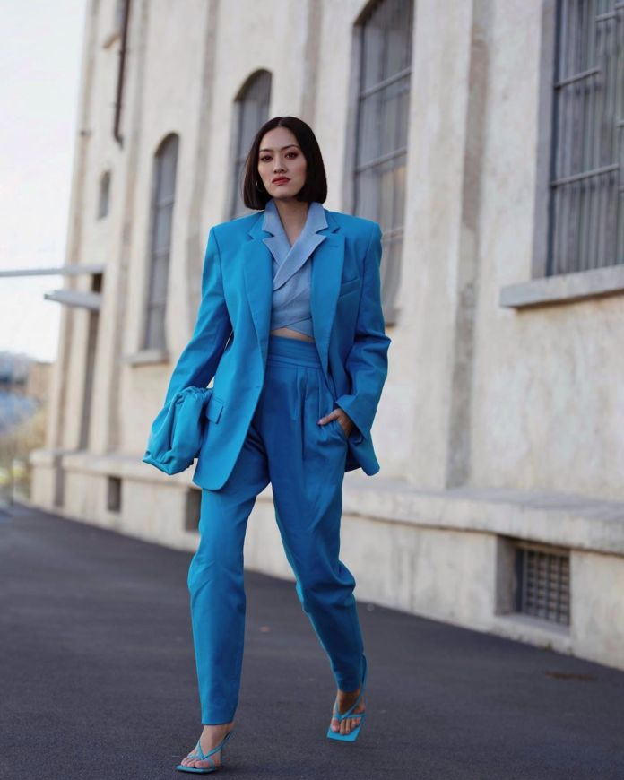 Cliomakeup-outfit-autunno-3-handinfire-look-azzurro