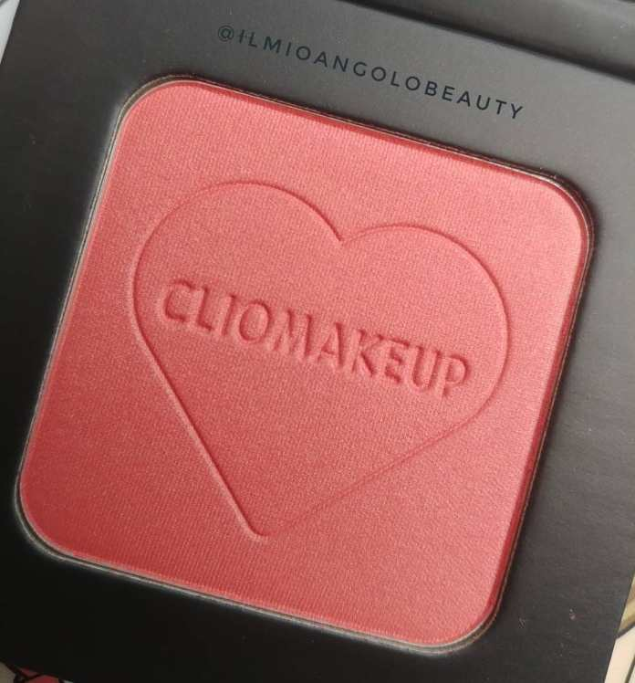 Cliomakeup-lip-balm-and-glam-coccolove-back-home-10-blush-cutelove-momo-peach