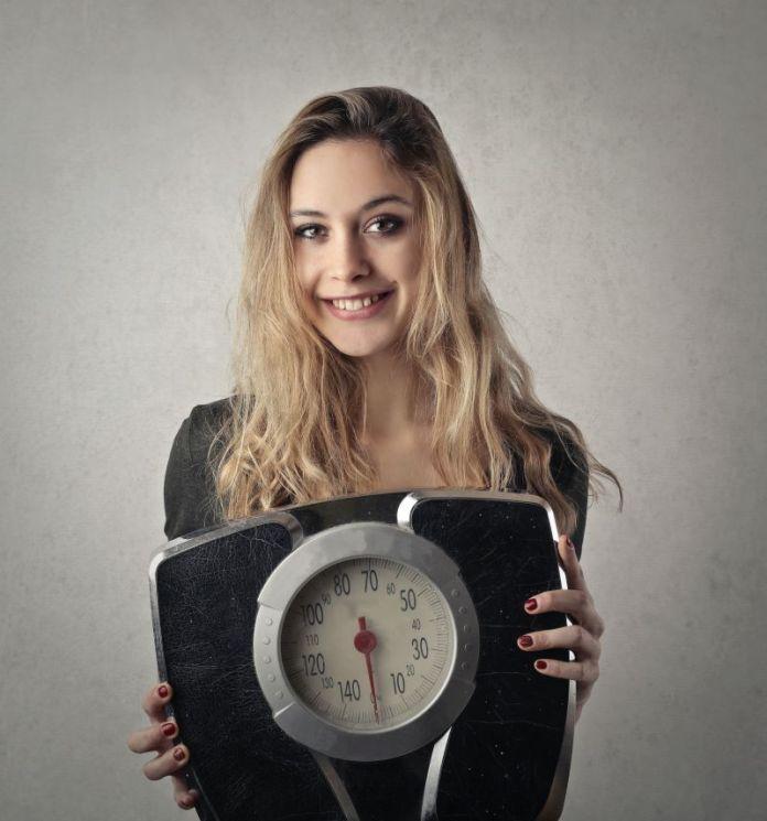 Cliomakeup-reflusso-gastroesofageo-dieta-13-bilancia