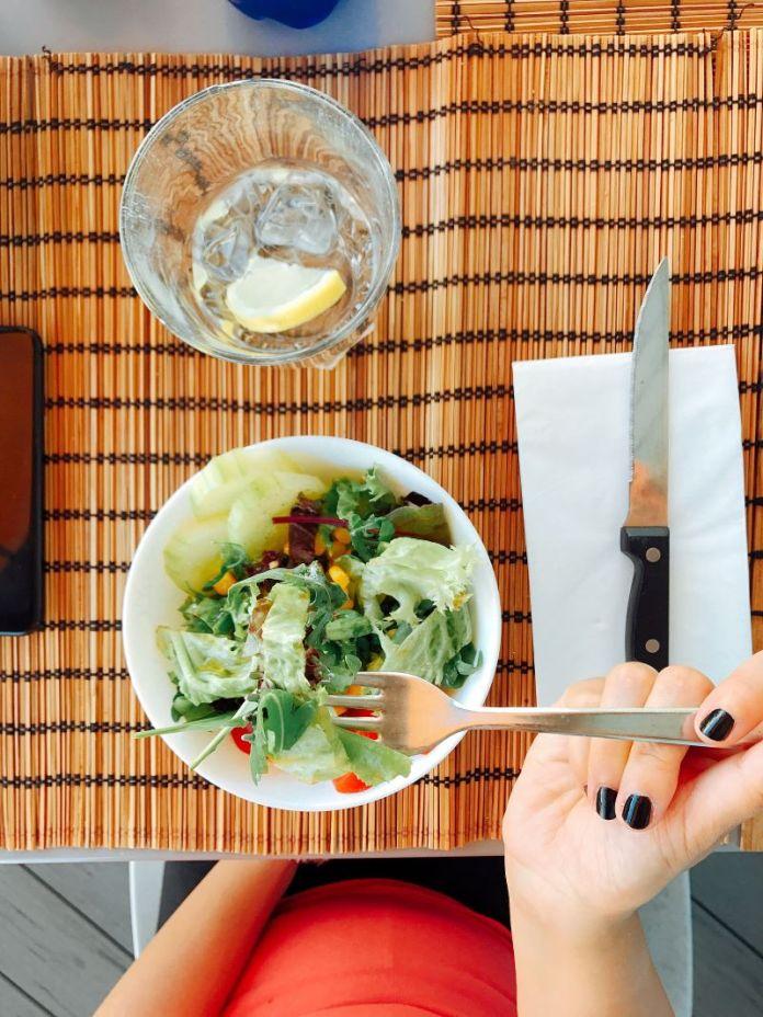 Cliomakeup-smart-working-dieta-8-insalata
