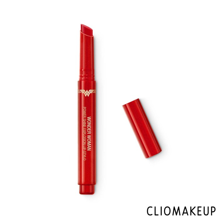 cliomakeup-recensione-rossetto-kiko-wonder-woman-power-shine-explosion-lip-stylo-1