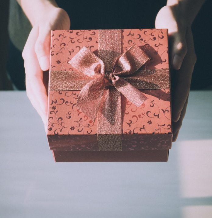 cliomakeup-profumi-natale-2020-teamclio-regalo