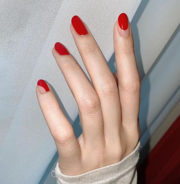 cliomakeup-unghie-2021-teamclio-rosse-nail-art