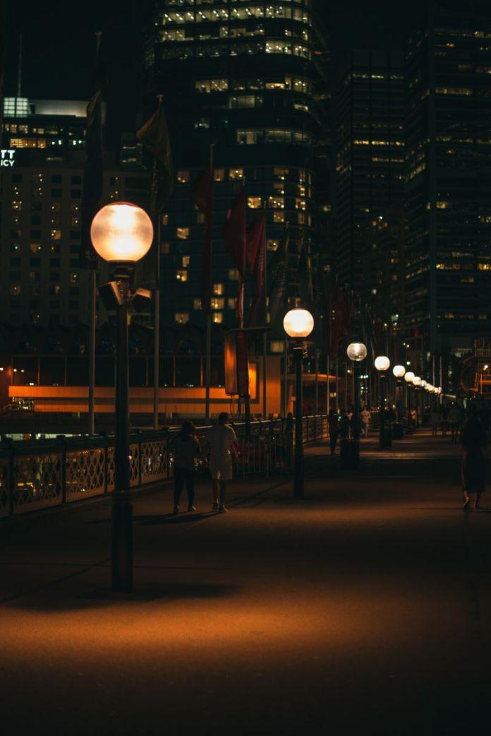 Cliomakeup-ritmo-circadiano-7-luci-città