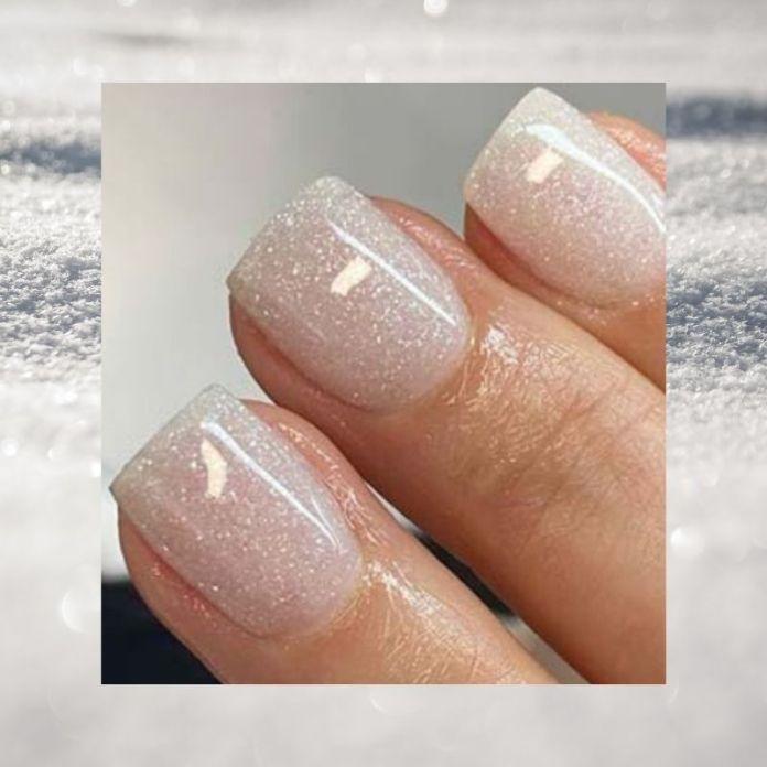 Cliomakeup-unghie-sugar-snow-3-smalto-bianco-glitter