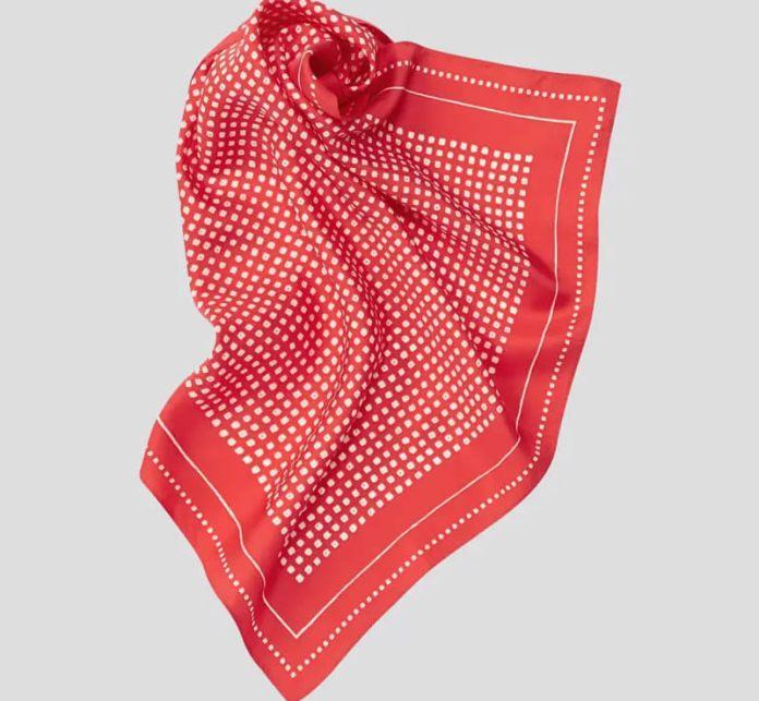 cliomakeup-look-ispirazione-francese-18-foulard