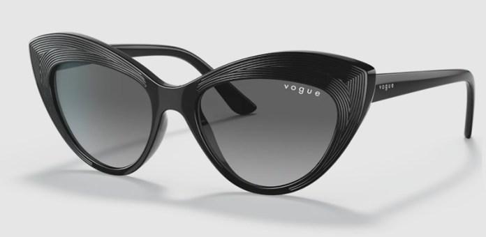 cliomakeup-occhiali-sole-2021-11-vogue-nero