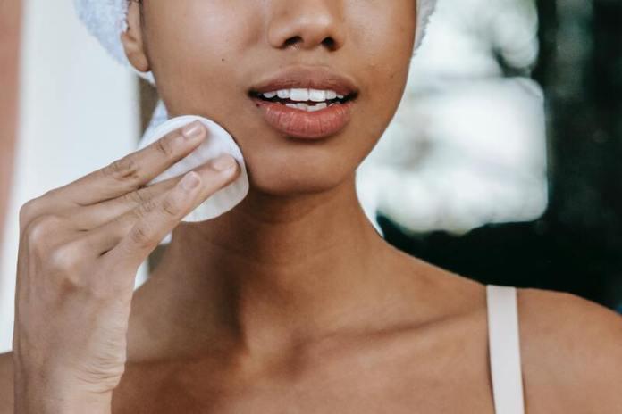 cliomakeup-spazzole-viso-pulizia-dischetto-cotone