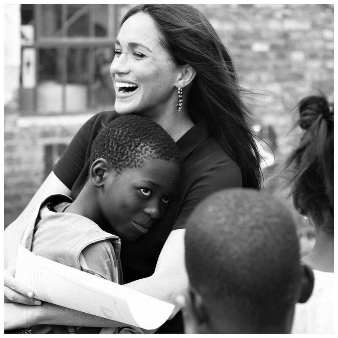 cliomakeup-intervista-harry-meghan-abbraccio-bambini