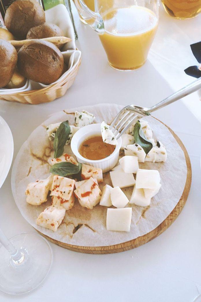 Cliomakeup-formaggi-11-tavola