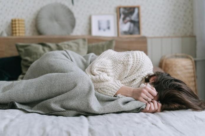 cliomakeup-disturbi-del-sonno-ansia