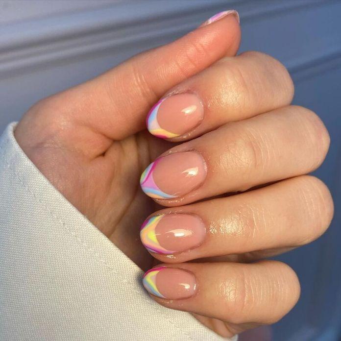 cliomakeup-funky-french-manicure-pastello-sfumati