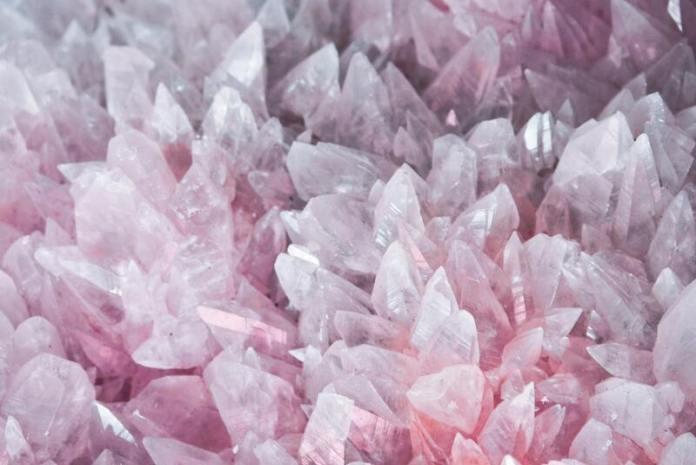 cliomakeup-pietre-e-segni-zodiacali-toro-quarzo-rosa