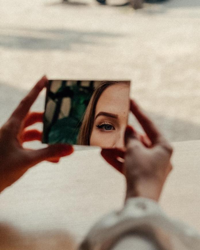 cliomakeup-segnali-beauty-routine-specchio