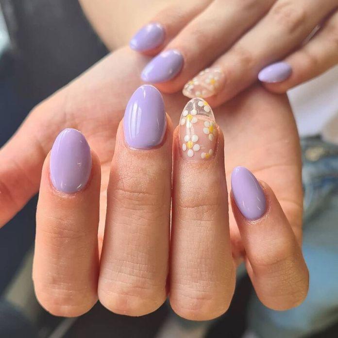 cliomakeup-colori-unghie-primavera-estate-2021-lilla-margherite