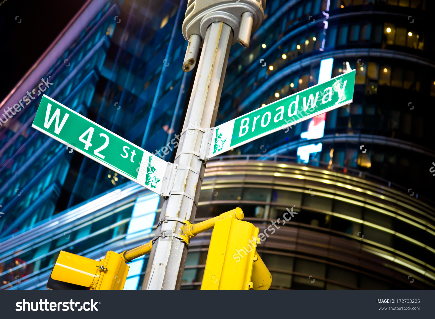 hight resolution of 42nd street and broadway intersection in new york s times square
