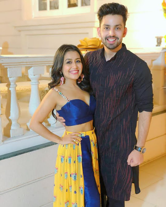 Clipkulture Neha Kakkar Himansh Kohli Spotted In Lovely Traditional Outfit For Diwali Clipkulture