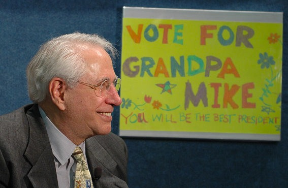 Gravel at the announcement of his run for president, April 2006. (Gravel 2008 campaign)
