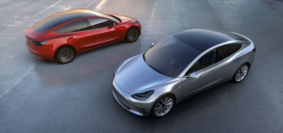 Tesla Model 3 rojo gris