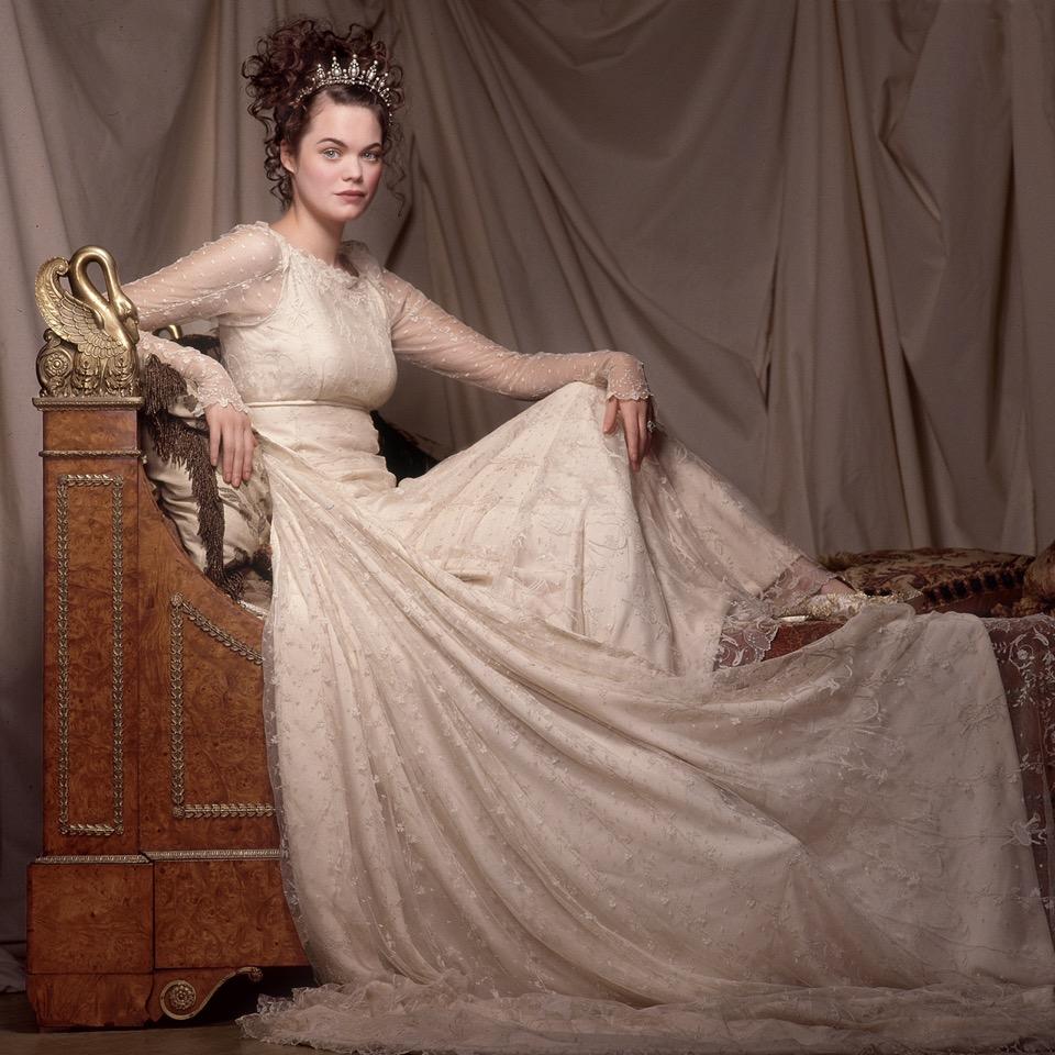 Jasmin-Guiness-2.Empire-Bed.Arrowsmith.©