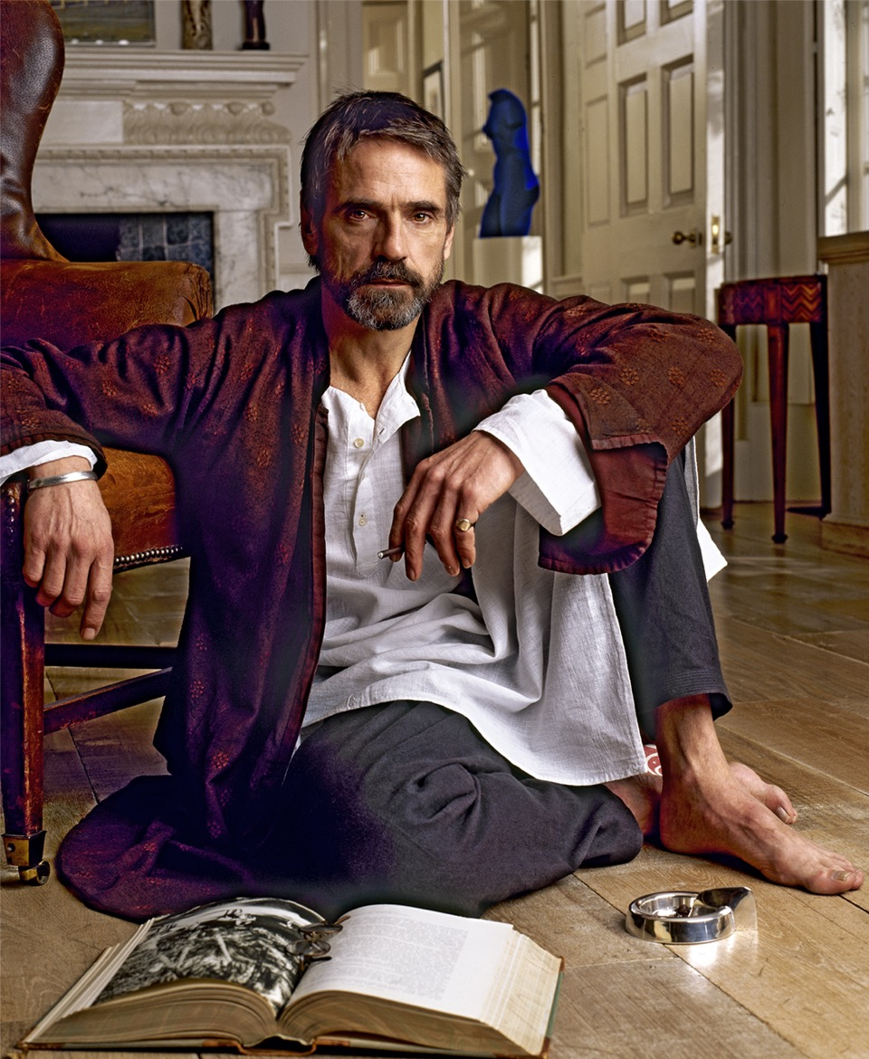 _Jeremy--Irons-Floor-cropped.Arrowsmith.©