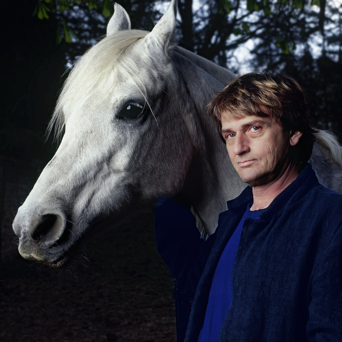 Mike-Oldfield-horse-2.Arrowsmith