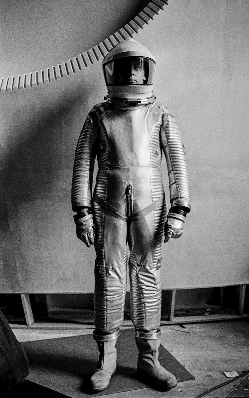 _Film-2001-Spacesuit.2.Arrowamith