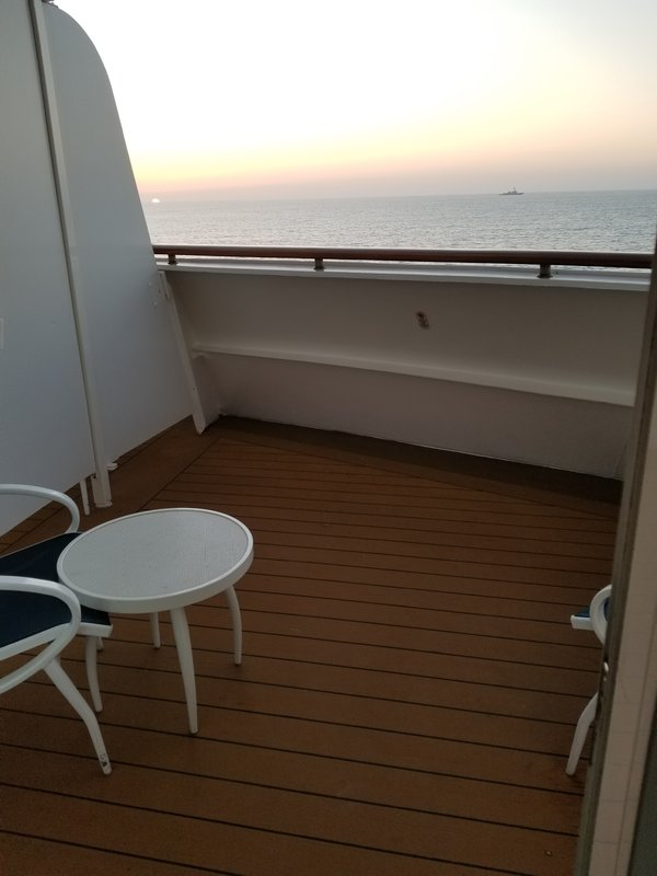 sofa beds at amazon high quality chesterfield balcony cabin 6652 on disney wonder, category 6a