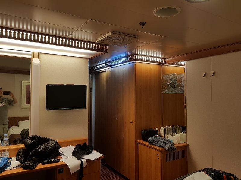 Premium Interior Stateroom Cabin Category IP Costa Favolosa