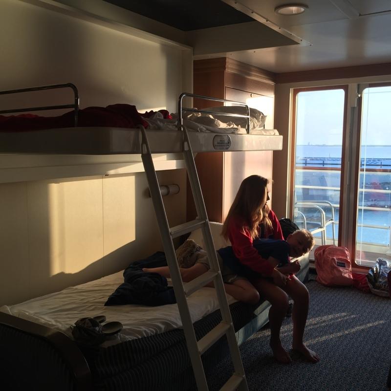 disney dream sofa bed ikea kramfors leather corner balcony cabin 9118 on category 4a