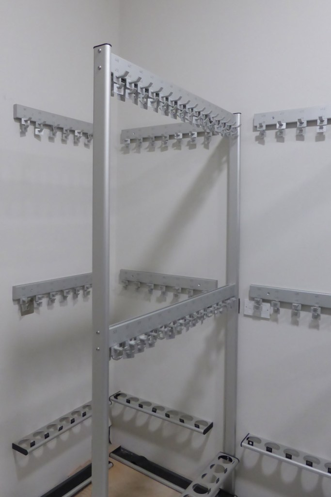 The Royal Academy Cloakroom   Cloakroom Solutions