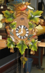 Multicolor cuckoo clock