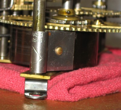 The Usibel spring has a square loop end