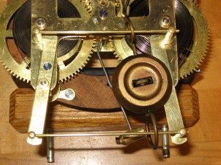 The pendulum with its loops and guide rails