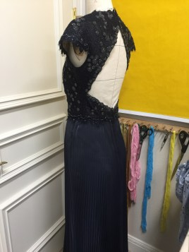 Pleating side