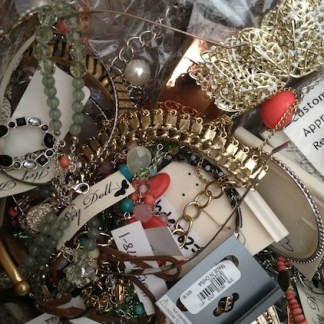 Buy closeout costume jewelry NOW  ✓ FREE DELIVERY