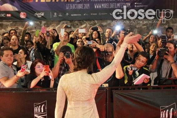 La actriz agradeció las muestras de cariño del público (Foto: Itzuri Sánchez Chávez)