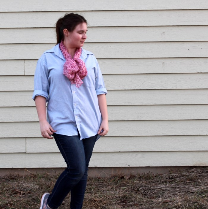 Modest Fashion Inspiration: Skinny Jeans + Chambray Shirt