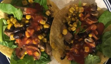 Black beans and musrooms fajitas