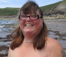 A nudist'™s guide to body confidence (via The Telegraph)