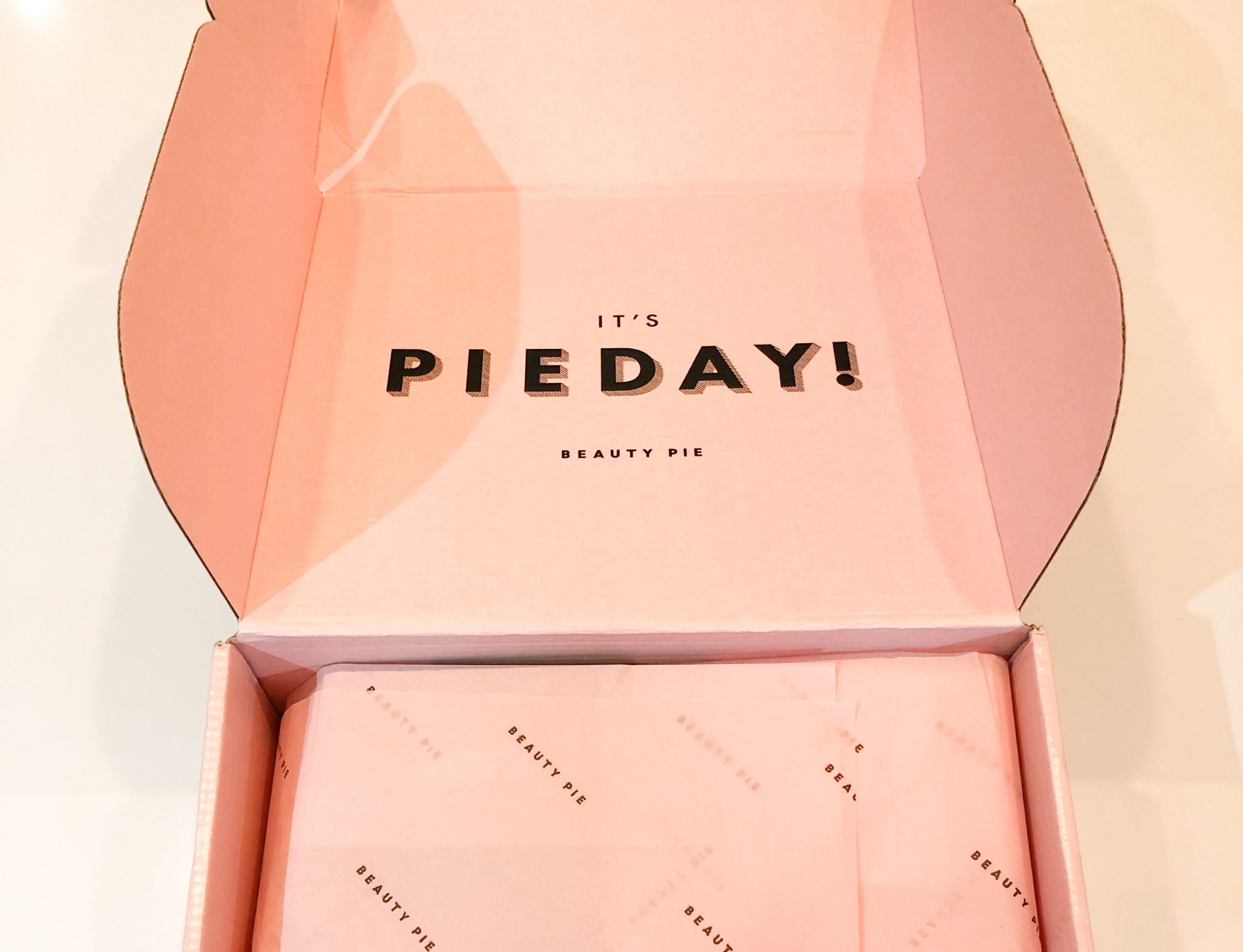 "Pink box with word ""Pie Day"""