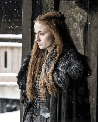 Sophie-Turner-as-Sansa-Stark-%E2%80%93-Photo-Helen-SloanHBO GAME OF THRONES | HBO DIVULGA FOTOS INÉDITAS DO SEGUNDO EPISÓDIO