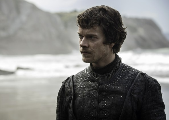 """Theon-Greyjoy-Alfie-Allen-%E2%80%93-Credito-Macall-B.-Polay_HBO HBO DIVULGA FOTOS INÉDITAS DO QUARTO EPISÓDIO DE  """"GAME OF THRONES"""""""
