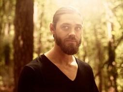Tom Payne as Paul 'Jesus' Rovia- The Walking Dead _ Season 9, Gallery- Photo Credit: Victoria Will/AMC