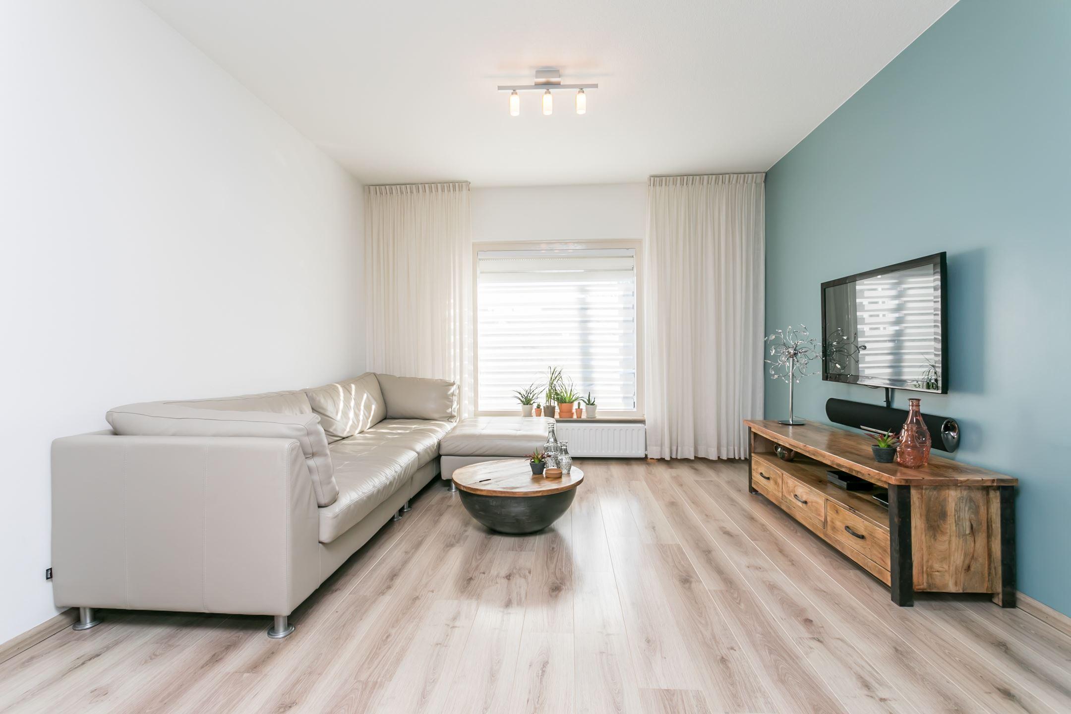 Lange Woonkamer Inrichten : Interieur lange woonkamer zw studio jeroen van zwetselaar the