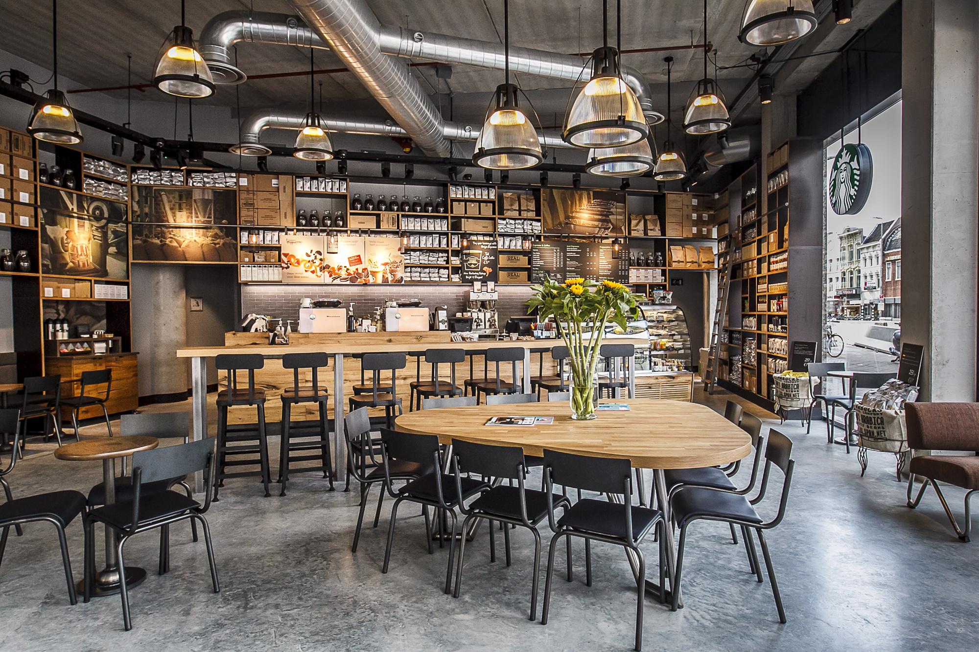 Starbucks opent eerste eigen vestiging in utrecht van for Interieur winkel utrecht